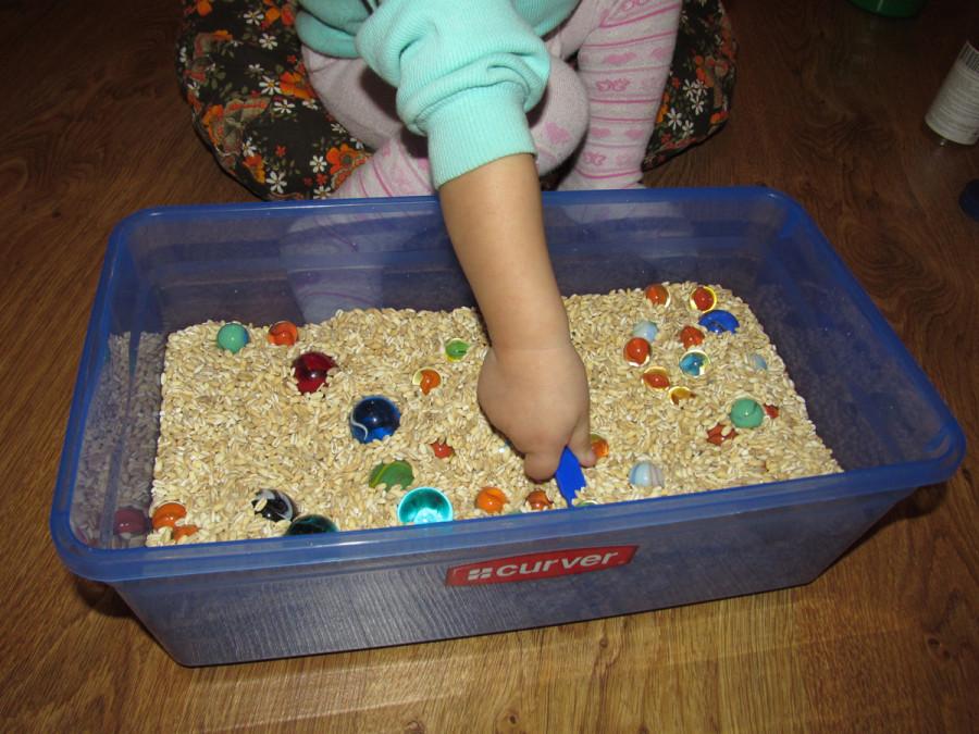 Сенсорные коробки для детей своими руками разный 24