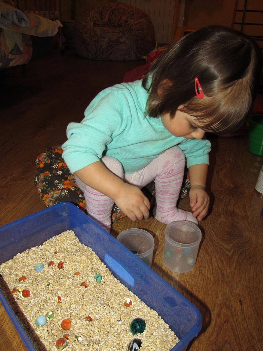Тематические сенсорные коробки для детей (Ферма, Африка) 37