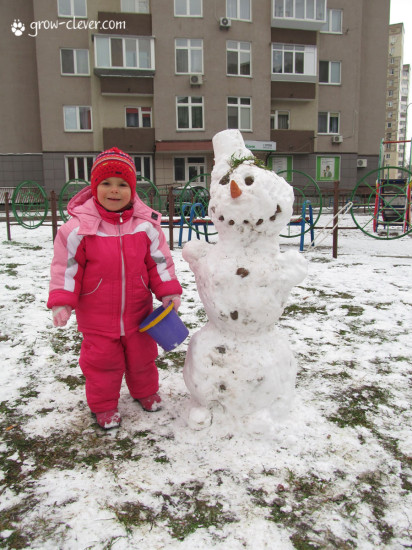 снеговик с морковкой