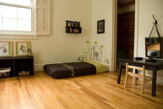Методика Монтессори, низкие кровати, зеркала и картины