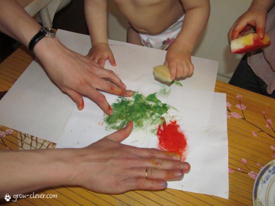 трафарет из бумаги, рисование с ребёнком