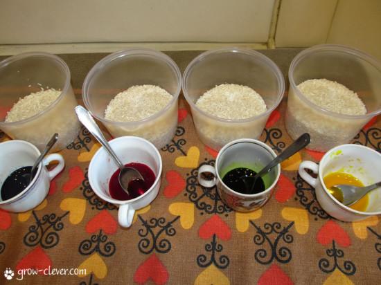 как покрасить рис, цветной рис для поделок, сенсорные коробки