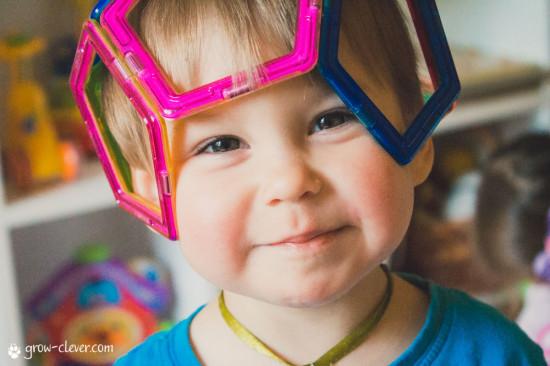 Шлем из Magformers, магнитного конструктора