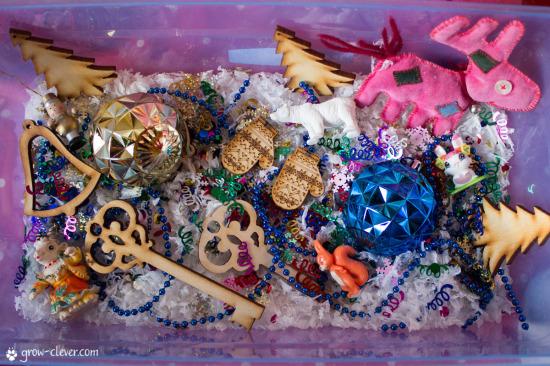 Сенсорная коробка на тему зима, снег, новый год, рождество