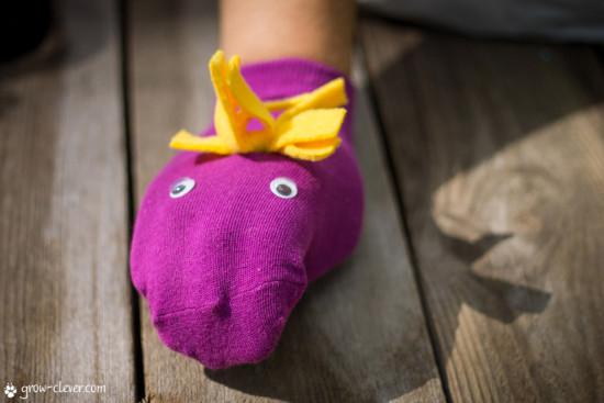 развивающие игрушки своими руками для малышей для развития мелкой моторики рук
