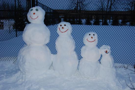 семья снеговиков, лепим снеговика