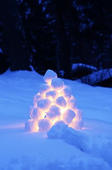 снежный светильник, игры на улице с детьми на снегу зимой